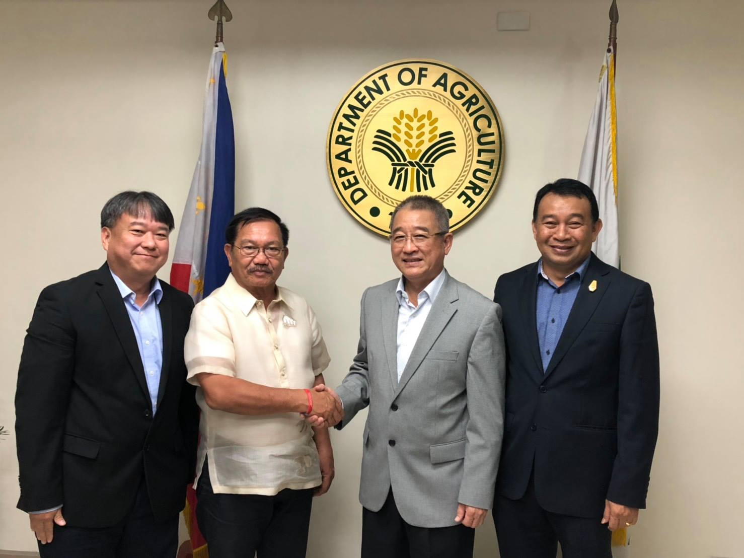 CPF joins forces with the Philippines' government to improve farmer's income